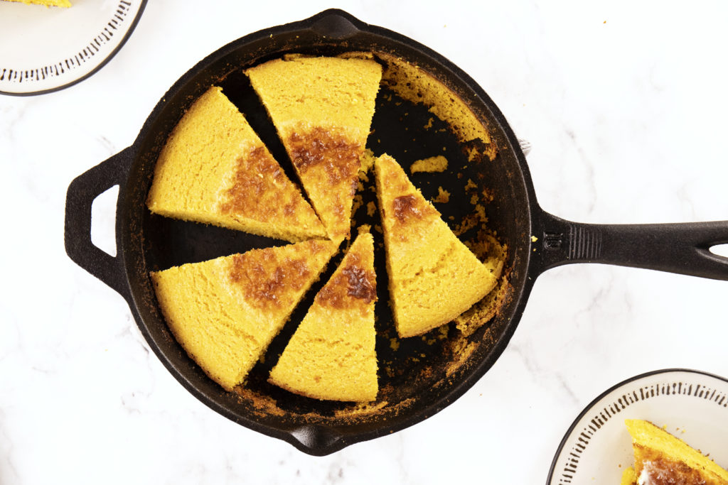 Easy Cast Iron Cornbread