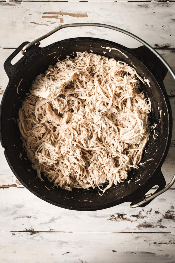How to Cook Shredded Chicken in a Dutch Oven